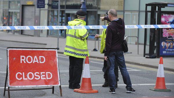 Policía bloquea el paso cerca de lugar del atentado en Mánchester, Reino Unido - Sputnik Mundo