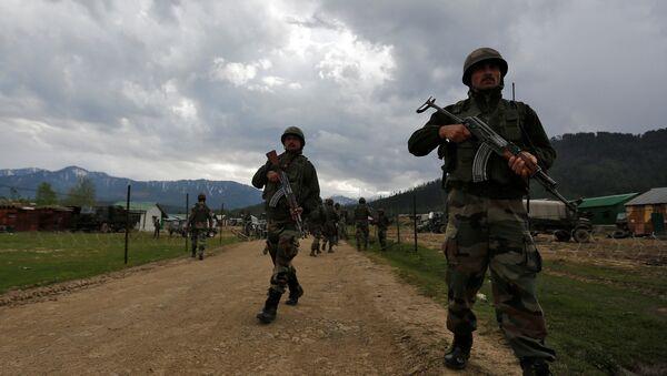 Soldados de la India en Cachemira (archivo) - Sputnik Mundo