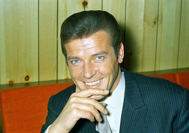 Muere famoso actor que interpretó a James Bond