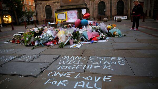 Homenaje a las víctimas del atentado en Mánchester (archivo) - Sputnik Mundo