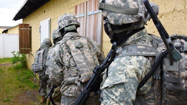 Militares del Comando Europeo del Ejército de EEUU - Sputnik Mundo