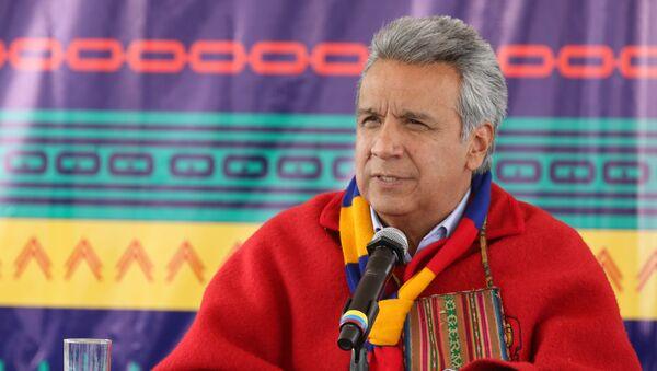 El presidente de Ecuador, Lenín Moreno, asistió a una ceremonia con organizaciones indígenas, las que le entregaron el bastón de mando espiritual. - Sputnik Mundo