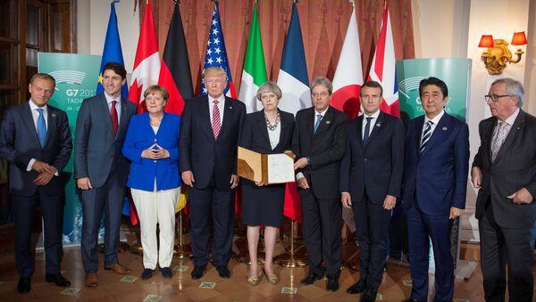 Los líderes del G7 tras la firma de la declaración sobre la lucha contra el terrorismo - Sputnik Mundo