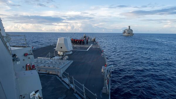 El destructor estadounidense USS Dewey en el mar del Sur de China - Sputnik Mundo