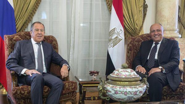 Serguei Lavrov y Sameh Shukri, cancilleres de Rusia y Egipto - Sputnik Mundo