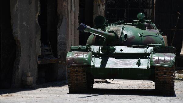 Восстановленный танк Т-55 на территории завода по ремонту и восстановлению бронетанковой техники в Дамаске - Sputnik Mundo