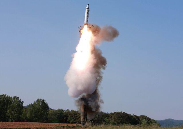 Prueba de un misil balístico norcoreano