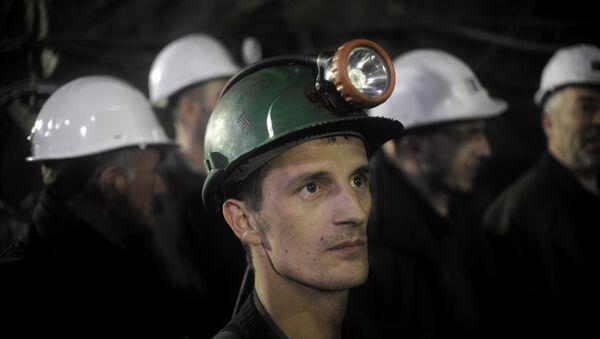 Mineros albaneses de Kosovo trabajan en la mina Stari Trg Trepca - Sputnik Mundo