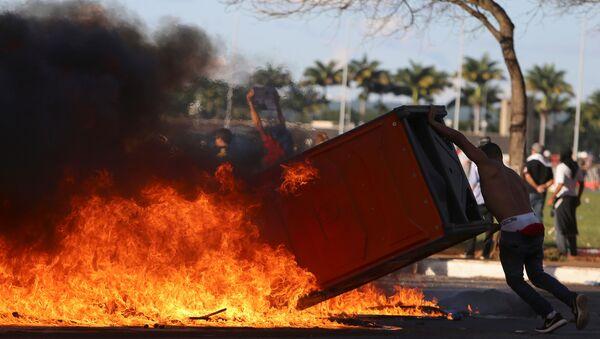 Protesta contra Michel Temer en Brasil - Sputnik Mundo