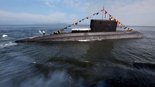 El submarino de la clase Varshavianka - Sputnik Mundo