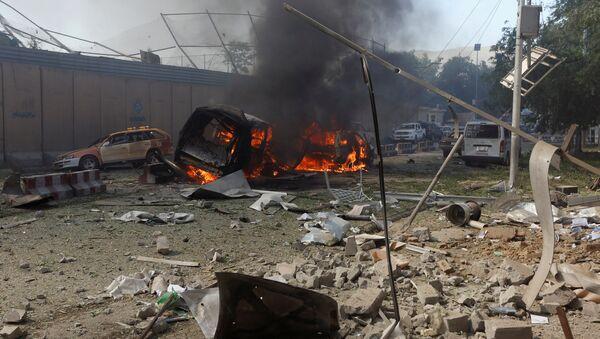 Consecuencias de un atentado de coche bomba en Afganistán (archivo) - Sputnik Mundo