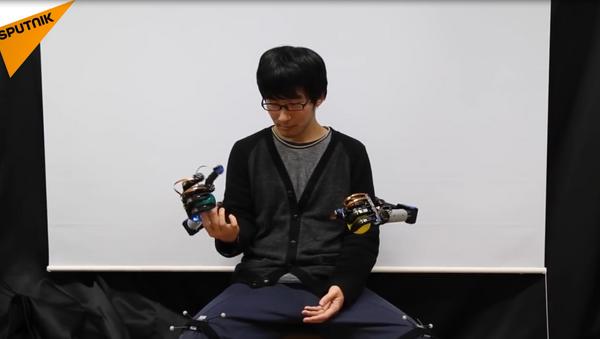 MetaLimbs, un par extra de manos robóticas - Sputnik Mundo