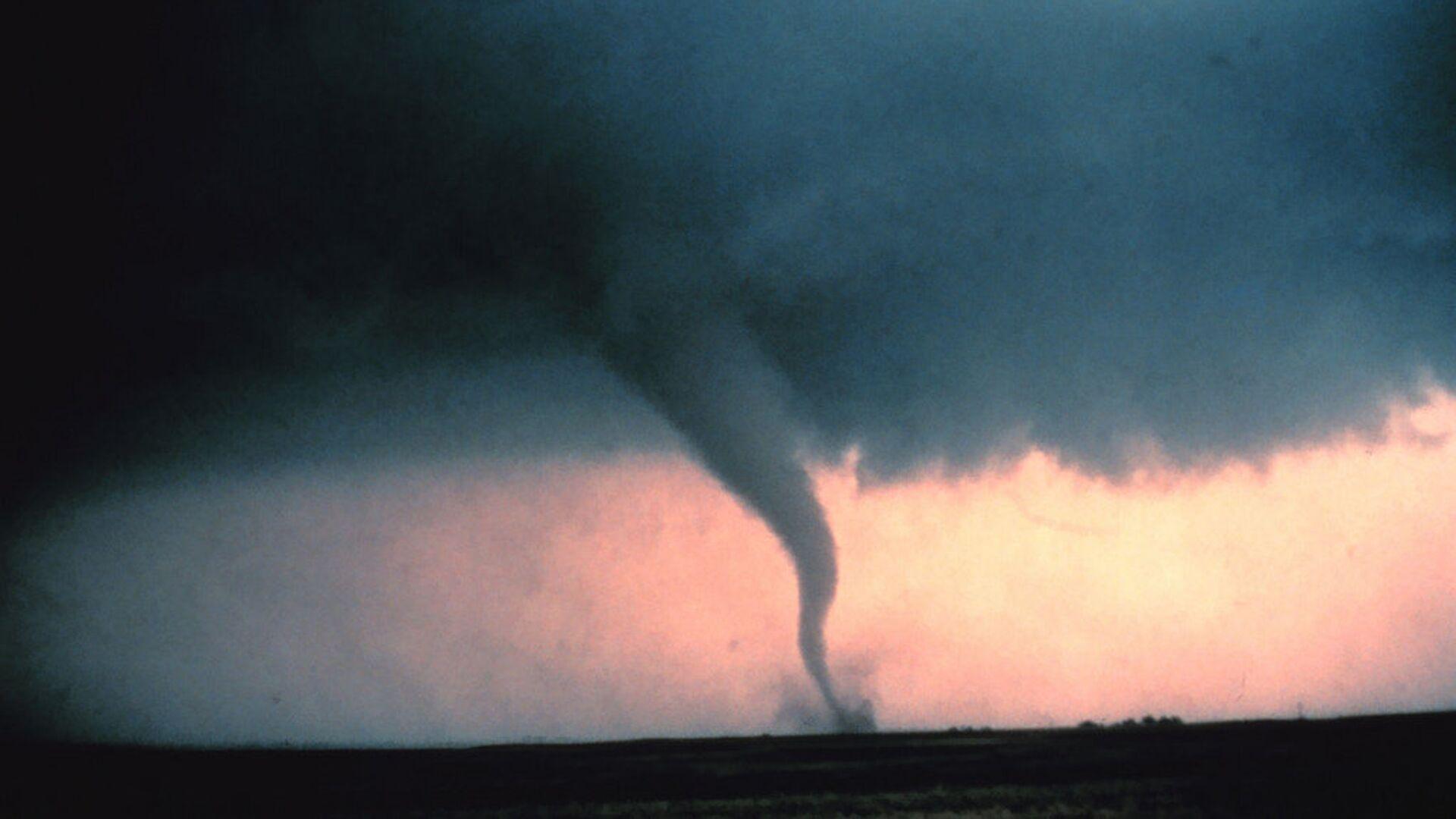 Tornado, imagen referencial - Sputnik Mundo, 1920, 02.06.2021