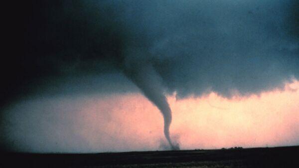 Tornado, imagen referencial - Sputnik Mundo
