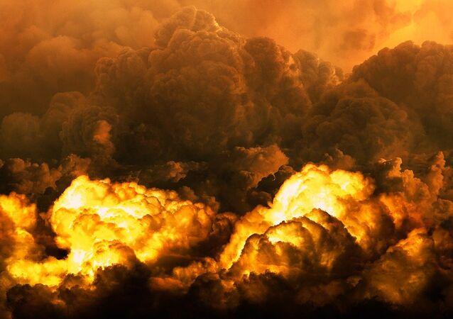 Nubes tras una explosión (imagen referencial)
