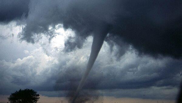 Un tornado (imagen referencial) - Sputnik Mundo