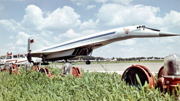 Avión supersónico soviético Tu-144 - Sputnik Mundo