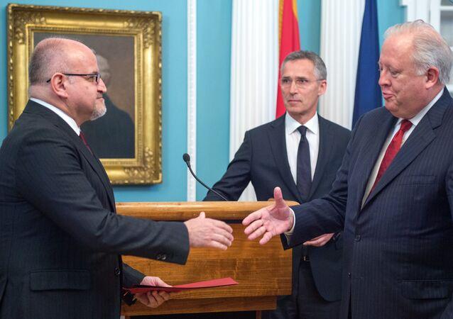 Thomas Shannon, subsecretario del Departamento de Estado de EEUU y Dr. Srdjan Damanovic, canciller de Montenegro