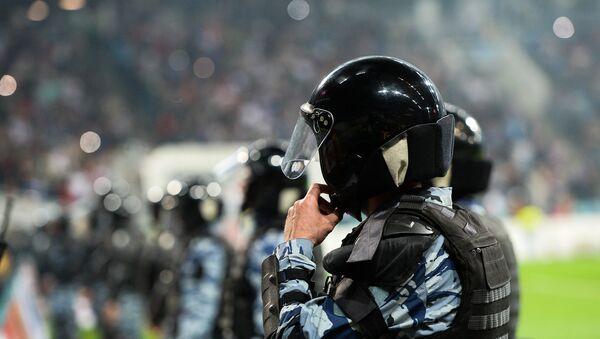 Policía rusa en un estadio de fútbol (archivo) - Sputnik Mundo