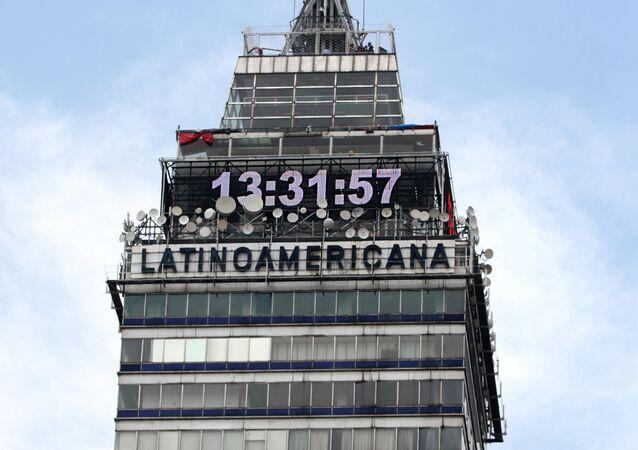 El reloj de la Torre Latinoamericana