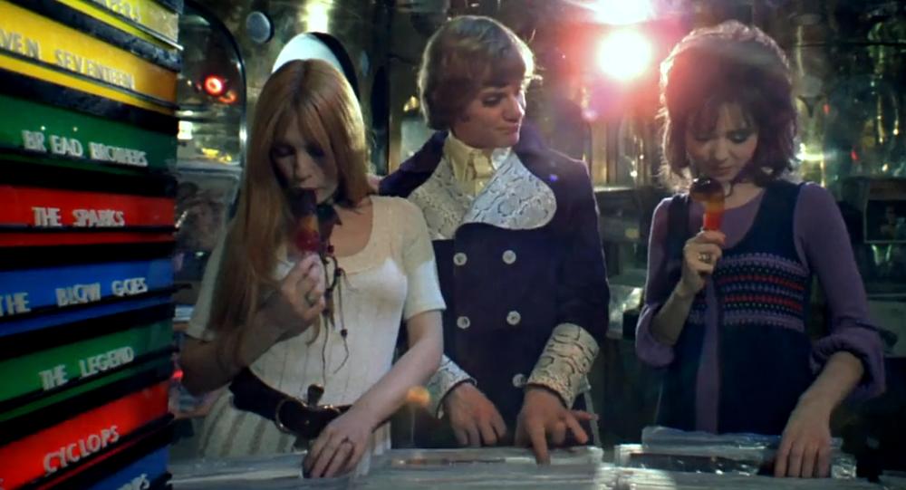 Las jóvenes comen helado (imagen referencial)
