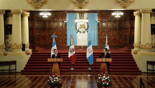 Presidente de México, Enrique Peña Nieto, y presidente de Guatemala, Jimmy Morales - Sputnik Mundo