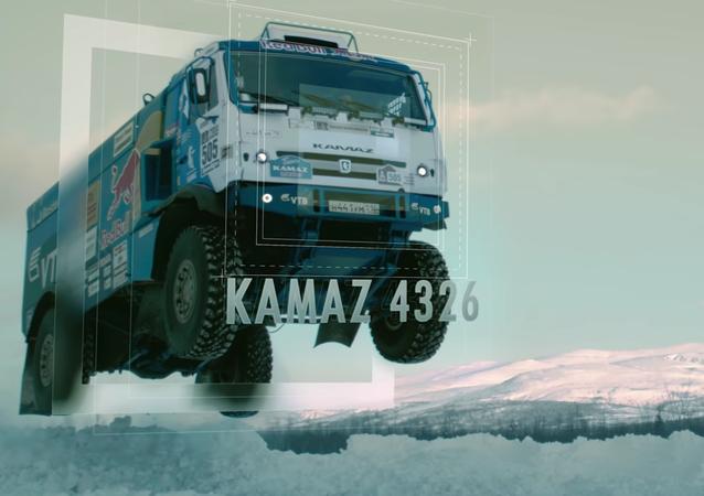 El salto de un camión gigante a 140 kilómetros por hora