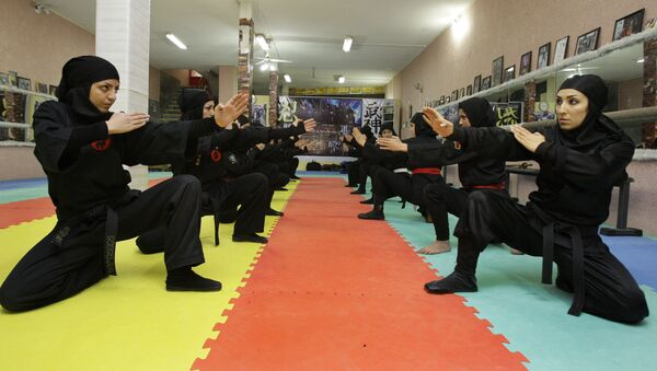 Mujeres ninjas de Irán - Sputnik Mundo