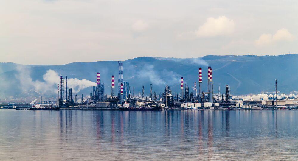 Refinería de gas natural (imagen referencial)
