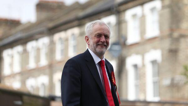 Jeremy Corbyn, líder del Partido Laborista - Sputnik Mundo