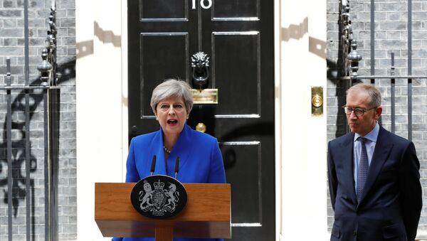 Theresa May, primera ministra del Reino Unido, tras las elecciones del Reino Unido - Sputnik Mundo