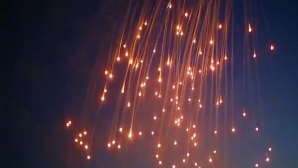 Uso del fósforo blanco en Al Raqa, Siria - Sputnik Mundo