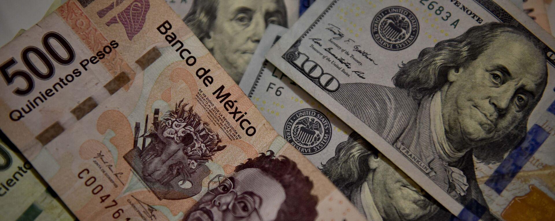 Peso mexicano y dólar estadounidense - Sputnik Mundo, 1920, 21.08.2021
