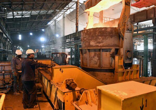 'Mina de oro': se reabre una planta metalúrgica en la ciudad siria de Hama - Sputnik Mundo