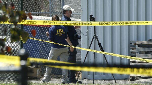 Agentes del FBI en el lugar del tiroteo en Virginia - Sputnik Mundo