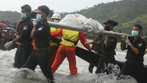Hallan cuerpos de 90 pasajeros del avión militar estrellado en Birmania - Sputnik Mundo