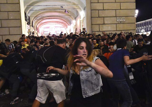 Estampida durante la final de la Champions en Turín