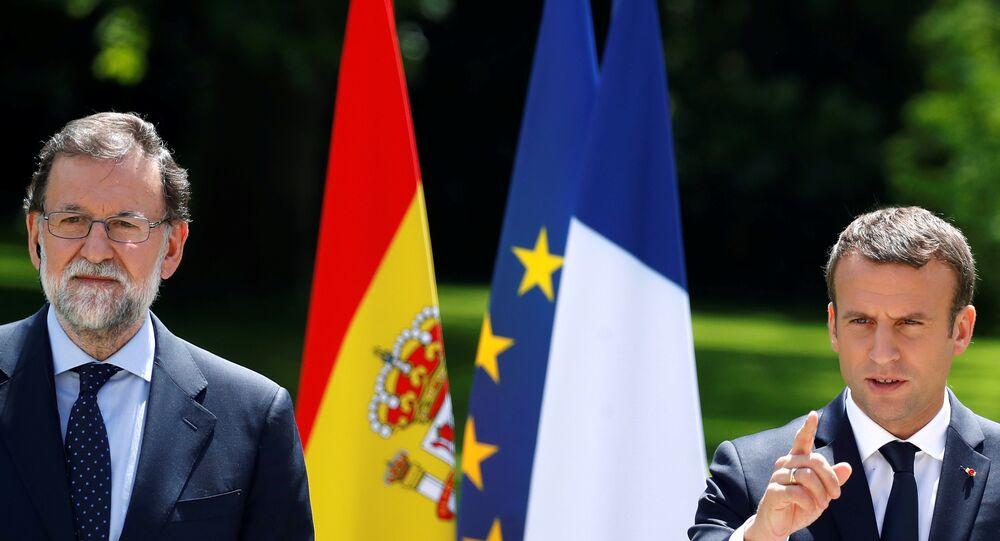 El presidente de la República Francesa, Emmanuel Macron, y el presidente del Gobierno español, Mariano Rajoy