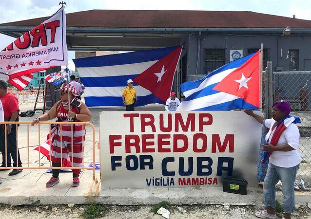Los partidarios de Donald Trump, presidente de EEUU, muestran su apoyo