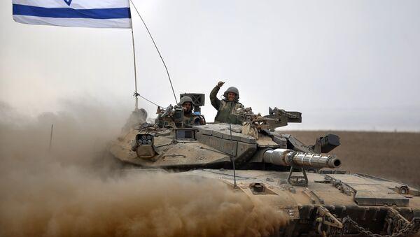 Soldados israelíes a bordo del tanque Merkava - Sputnik Mundo