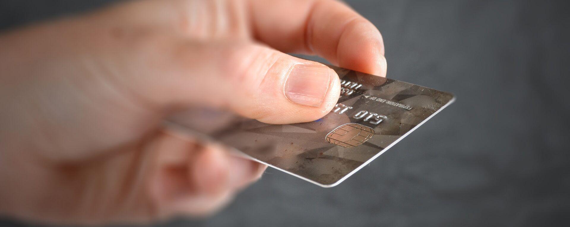 Paying with a Credit Card - Sputnik Mundo, 1920, 25.03.2021