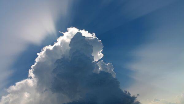 Una nube - Sputnik Mundo