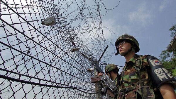 Militares surcoreanos en la frontera con Corea del Norte (archivo) - Sputnik Mundo
