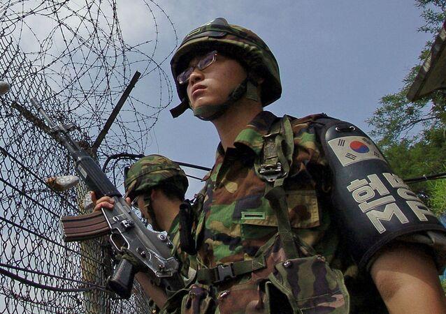 Militares surcoreanos en la frontera con Corea del Norte (archivo)