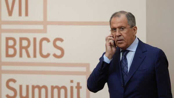 Serguéi Lavrov antes de una reunión de los líderes del BRICS - Sputnik Mundo
