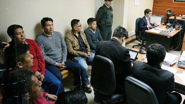 Los nueve detenidos ciudadanos de Chile en la sala de audiencia - Sputnik Mundo