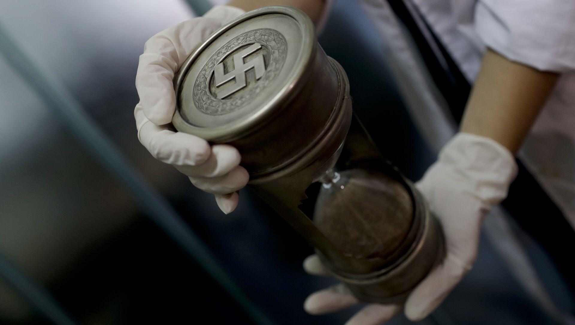Artefactos con simbología nazi encontrados en Argentina en junio de 2017 - Sputnik Mundo, 1920, 07.05.2019