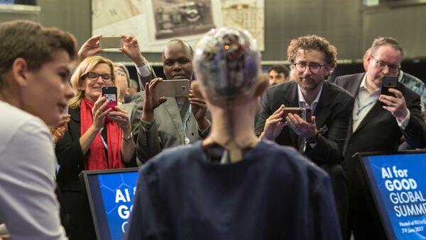La androide Sofía en la conferencia de robótica 'AI for GOOD Global Summit'. Ginebra, Suiza, 9 de junio de 2017. - Sputnik Mundo