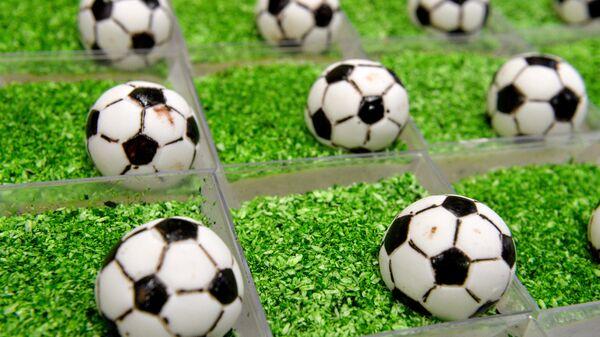 Balones de fútbol comestibles (imagen referencial) - Sputnik Mundo