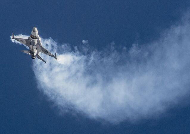 Un caza F-16 (imagen referencial)